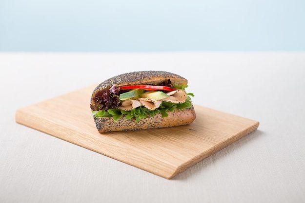 Bilde av 7-korn rundstykke m/spansk salami og brie