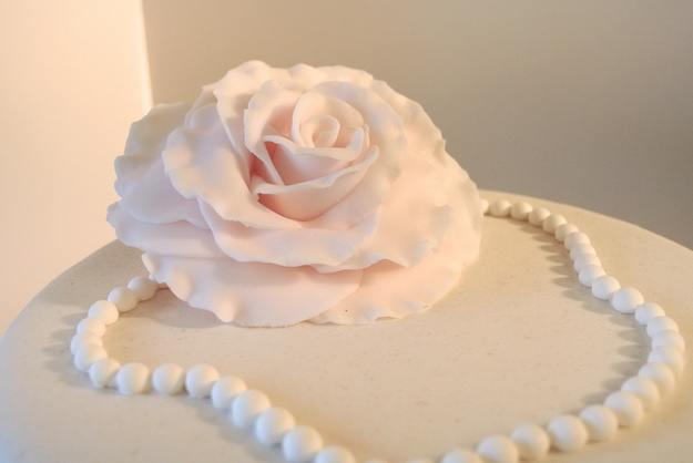 Bilde av Cupcakes-bryllupskake med Hvit Dame på toppen
