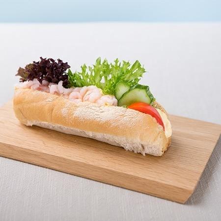 Minibaguette med vår egen rekesalat
